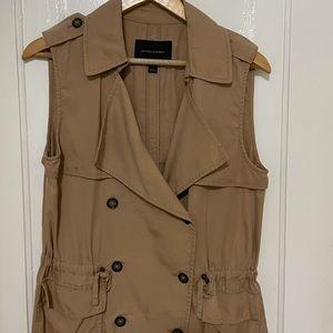 Banana Republic sleeveless trench vest size Small
